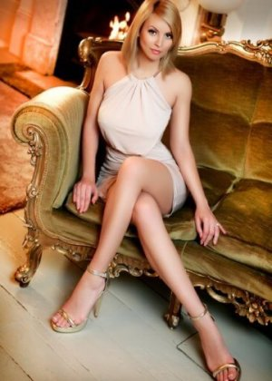 Ann-lise call girl in Mendota CA and sex guide