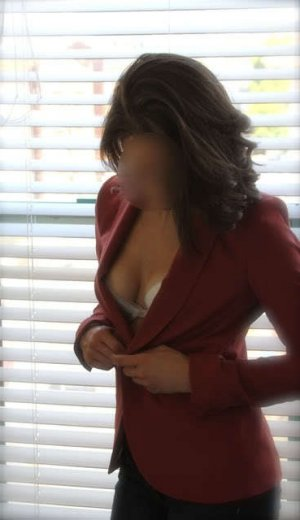 Joannah sex club in Berlin & model escort